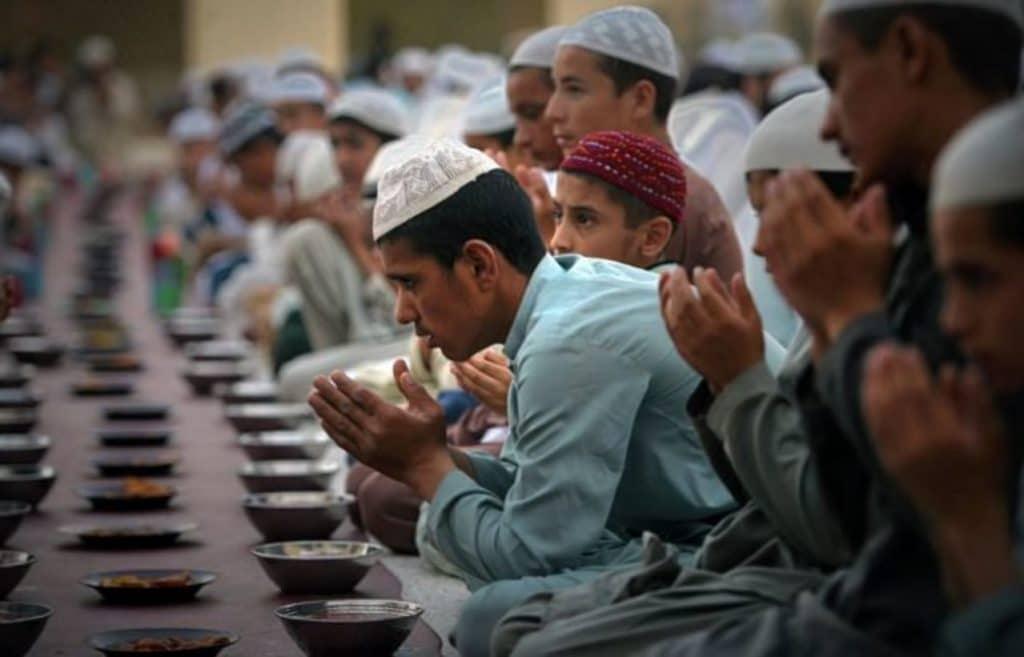 Политика: Католики поддерживают введение мусульманских праздников в Германии