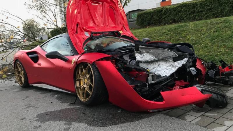 Происшествия: После мойки Ferrari за €200 тыс. превратилось в хлам