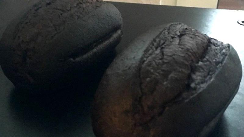 Общество: Молодая немка выгодно продала сгоревшие булки на Ebay