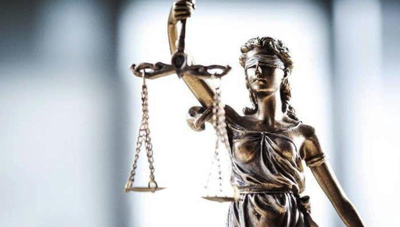 Закон и право: Заключенные годами обманывали страховую компанию