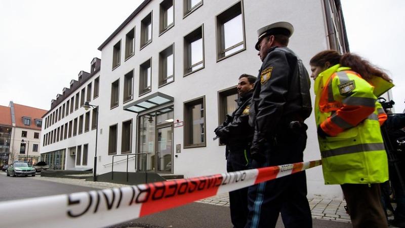 Происшествия: В Баварии мужчина взял в заложники сотрудницу ведомства по делам молодежи