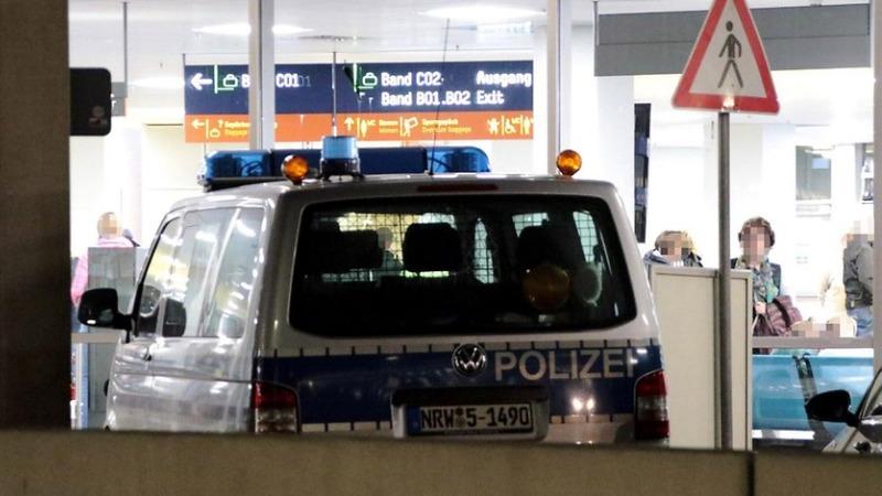 Происшествия: Угроза теракта в аэропорту Кельн/Бонн: мать сдала полиции собственного сына