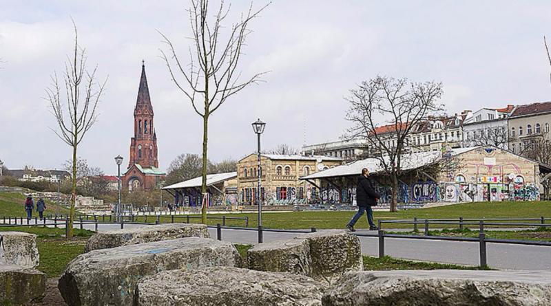 Происшествия: Парк Герлицер: мужчина изнасиловал пони