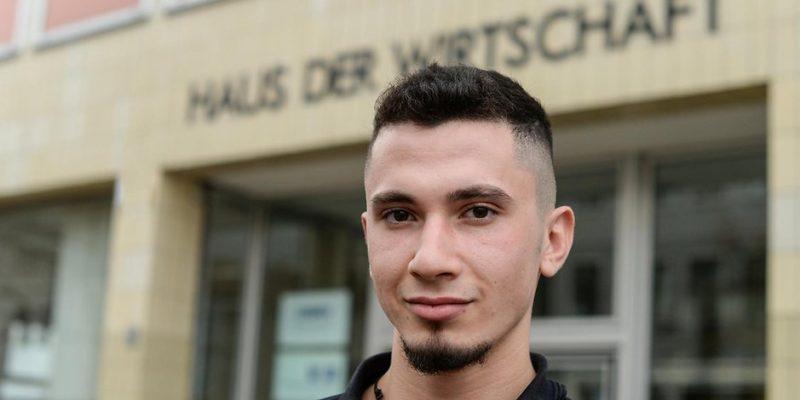 Общество: Все больше молодых беженцев желают получить образование в Германии