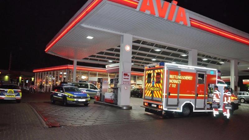 Происшествия: Раненая женщина добралась до заправки и упала в обморок