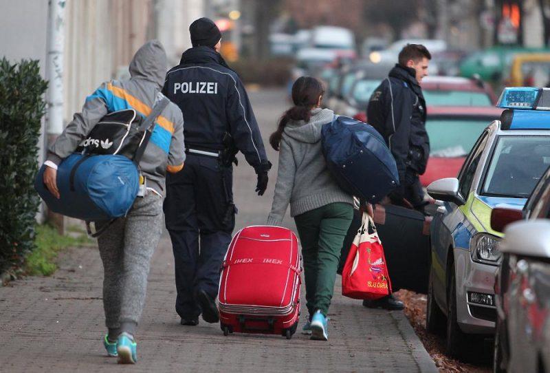 Политика: Масштабная депортация сирийцев должна начаться летом 2018 года