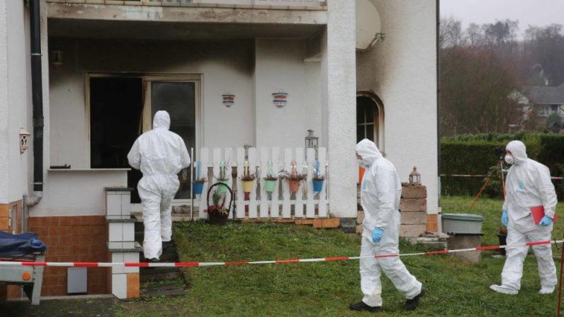 Происшествия: Четыре часа неизвестные арабы пытали супружескую пару, ограбили и подожгли их дом