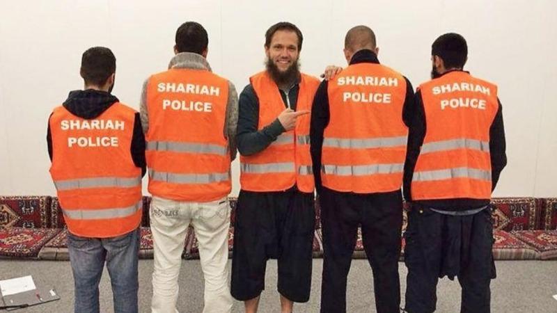 Общество: «Полицию шариата» опять тащат в суд