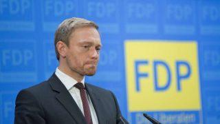 Линднер заявил, что мнение СвДП не учитывали на переговорах коалиции и обвинил в этом Меркель