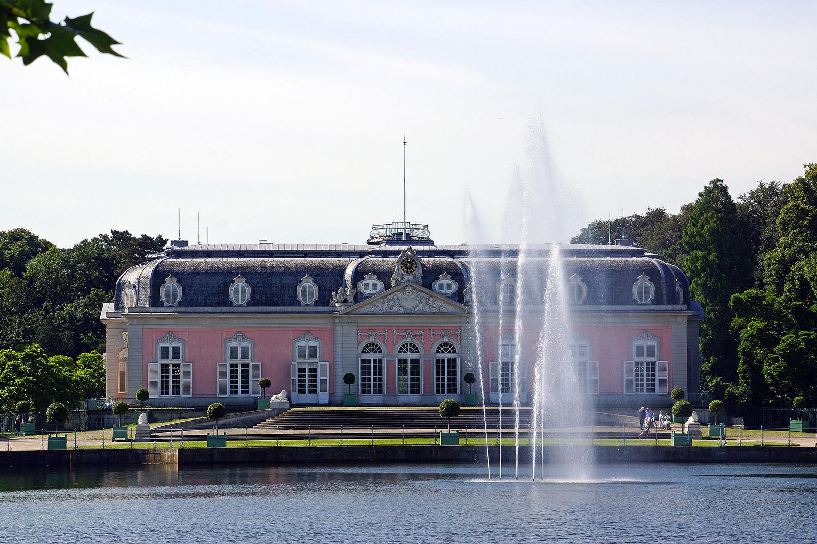 Галерея: Интересные места Германии: дворец Бенрат рис 3