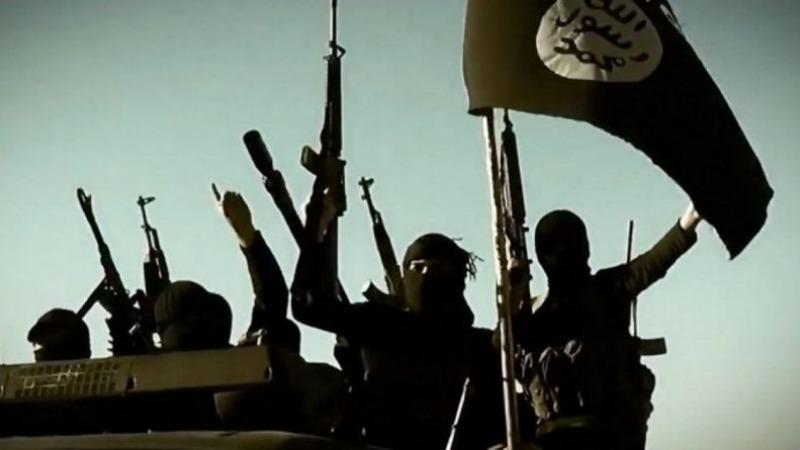 Отовсюду обо всем: Дети ИГИЛ казнили шпиона и сняли видео