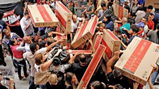 Черная пятница: как не купить лишнего и где искать большие скидки?