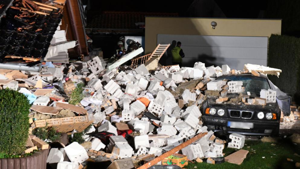 Происшествия: В Берлине рухнул жилой дом, похоронив заживо семью с двумя детьми