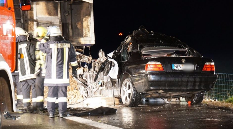 Происшествия: На выходных в Германии произошло несколько смертельных ДТП: 7 человек погибло