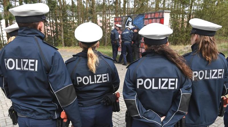 Общество: Студенты с миграционным прошлым портят репутацию полицейской академии Берлина