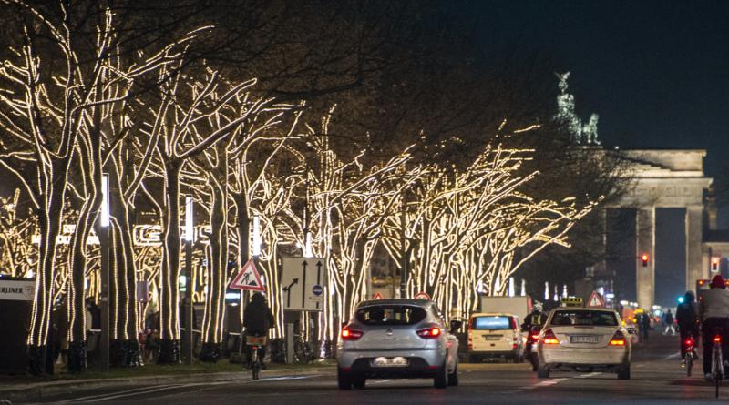 Новости: Бульвар Унтер-ден-Линден останется без рождественской подсветки