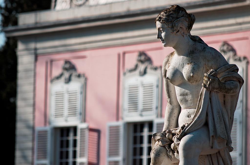 Галерея: Интересные места Германии: дворец Бенрат рис 2