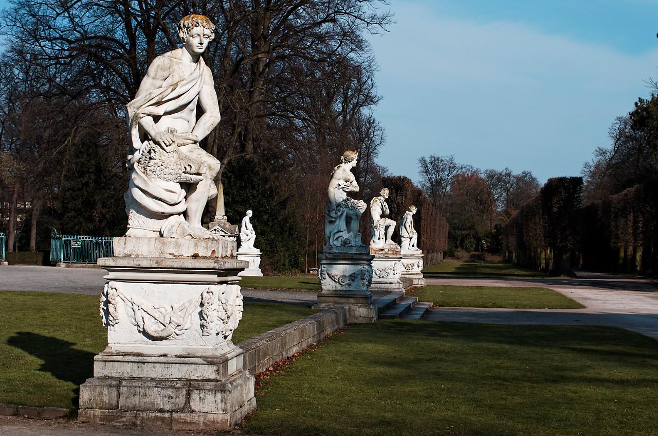 Галерея: Интересные места Германии: дворец Бенрат рис 4