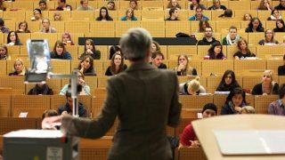 Студенты требуют увольнения профессора за критику ислама