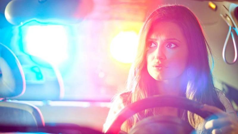 Полезные советы: Почему стоит иногда оставлять водительские права дома?