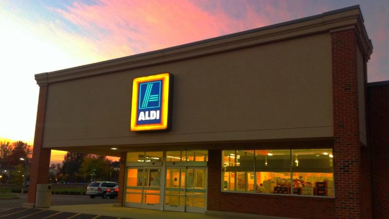 Общество: Почему кассиры Aldi никогда не смотрят в глаза клиентам?