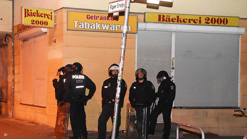 Политика: Левые экстремисты начали охоту на полицейских