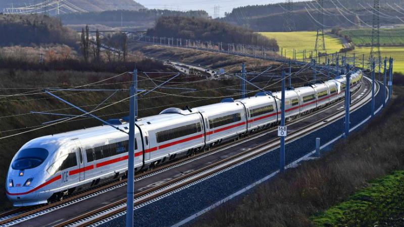 Общество: Две трети поездов ICE Берлин-Мюнхен прибыли с опозданием