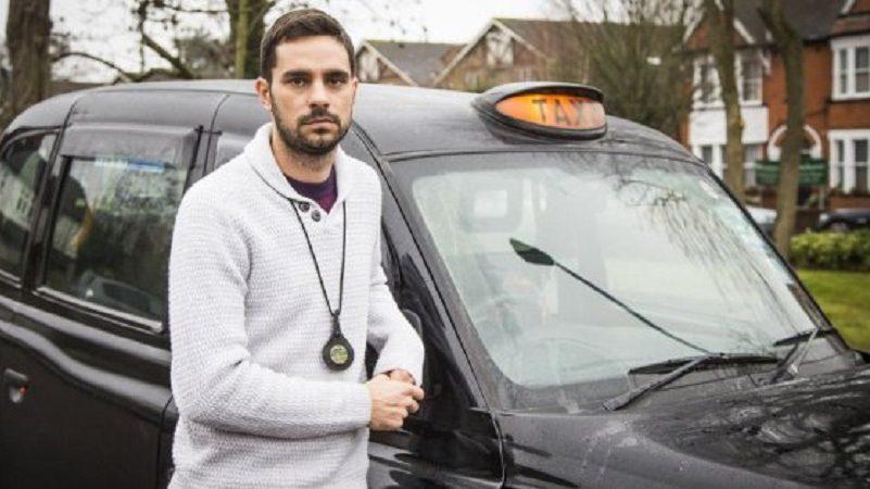Общество: Таксиста оштрафован за то, что он спешил помочь жертвам теракта