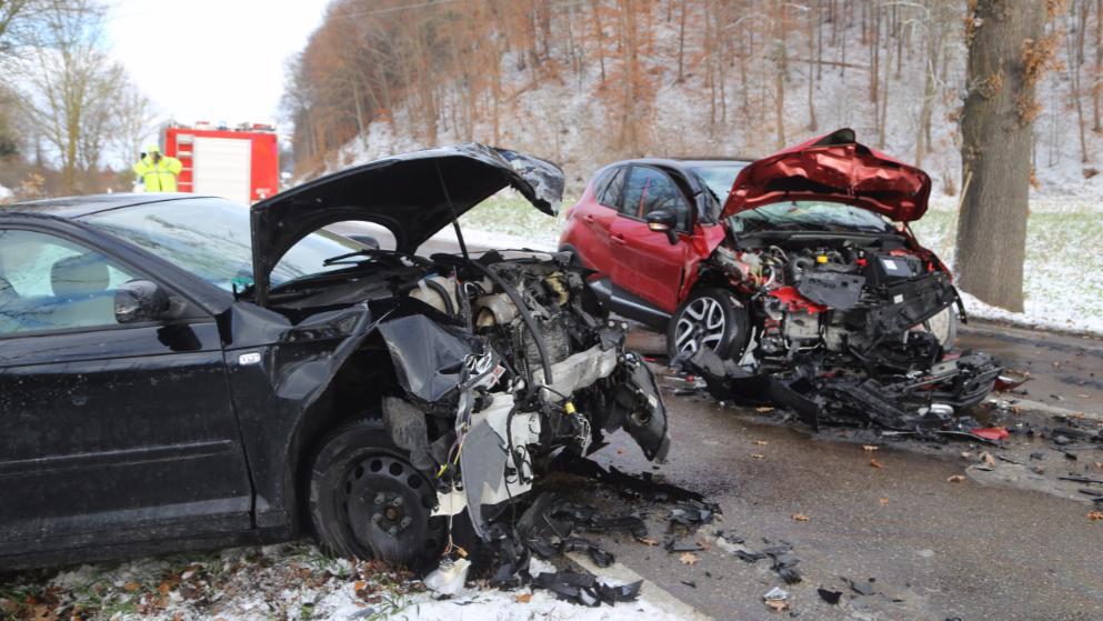 Происшествия: Последствия снегопадов: двое погибших, десятки пострадавших и сотни ДТП рис 3
