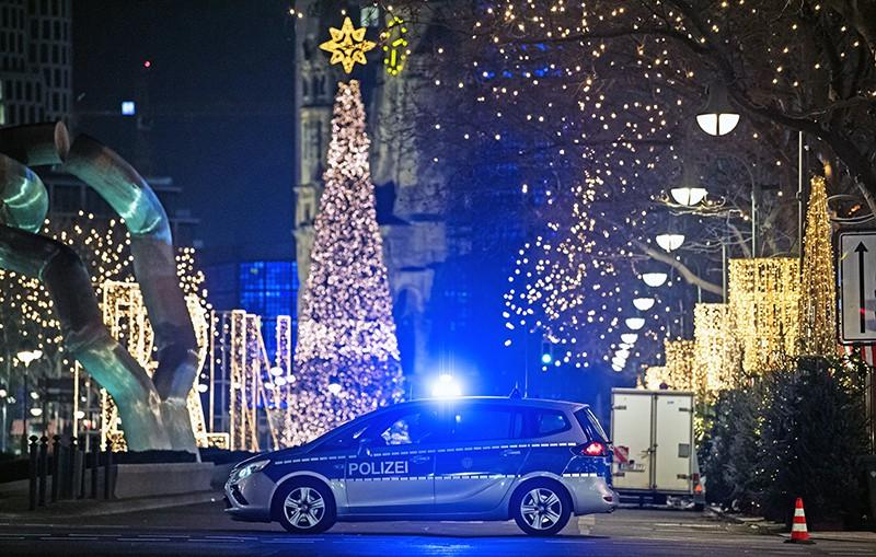 Общество: Германия празднует Рождество в страхе перед терроризмом