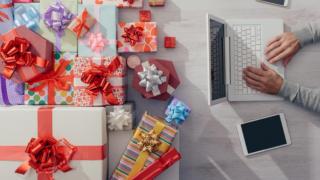 Покупка подарков: что нужно знать об интернет-магазинах?