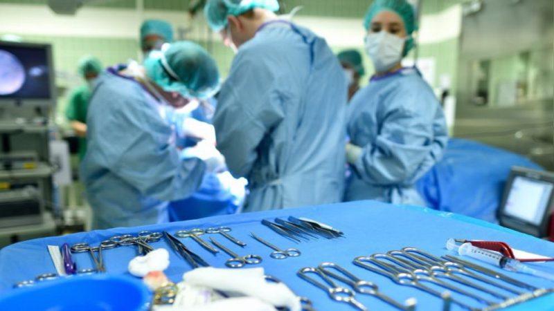 Отовсюду обо всем: «Здесь был Я»: хирург оставлял свои инициалы на органах пациентов
