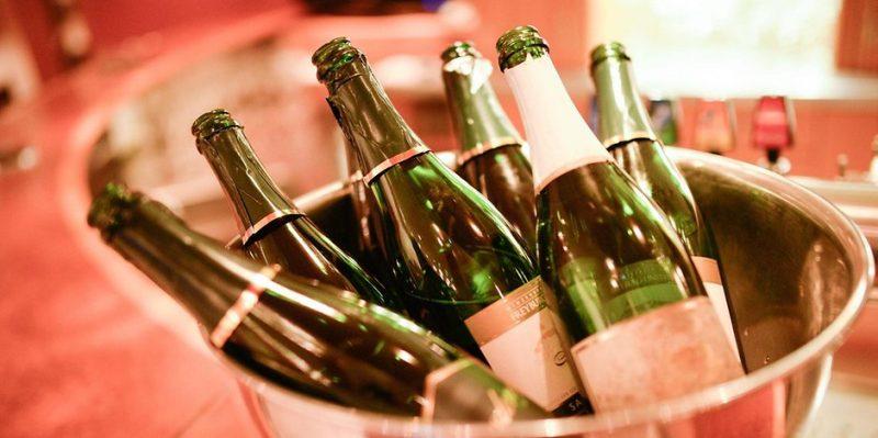 Деньги: Вино и шампанское подорожают в 2018 году