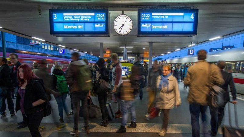 Общество: Все больше пассажиров жалуется на Deutsche Bahn
