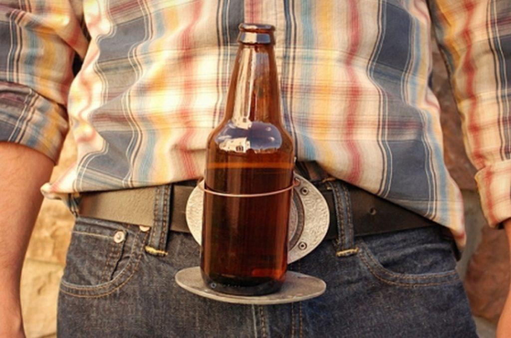 Общество: Самое успешное изобретение года: пряжка для пива (+видео)