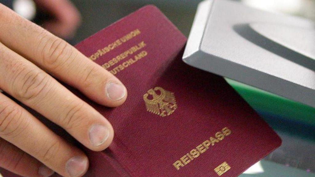 Полезные советы: О чем может рассказать ваш паспорт