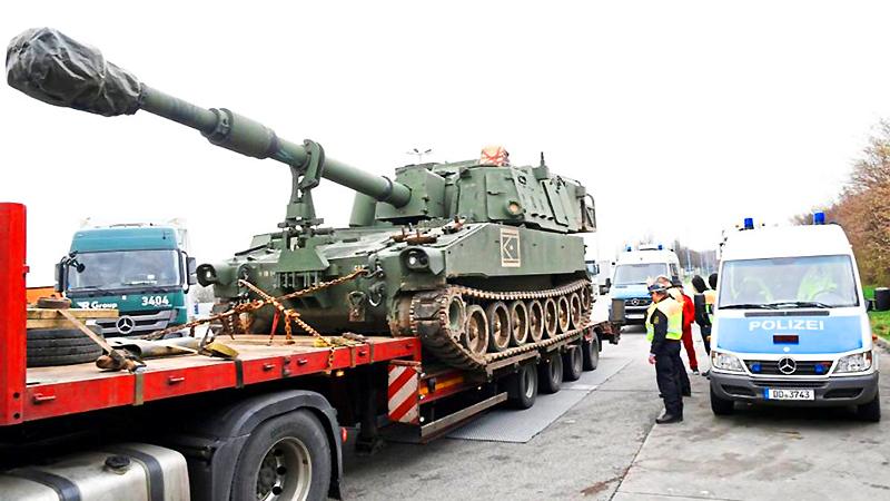 Происшествия: Они не прошли: в Саксонии задержаны боевые машины США
