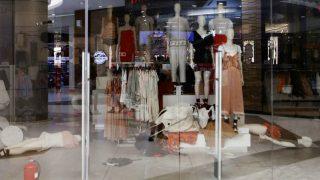 Африканские активисты разгромили магазины H&M