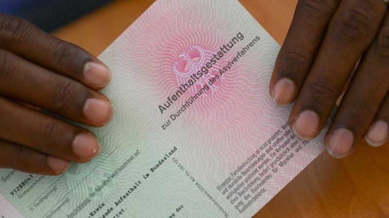 Общество: Странам ЕС запретили проводить тесты на определения гомосексуальности беженцев