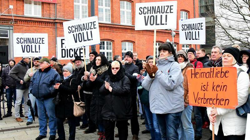 Общество: Котбус больше не принимает беженцев: жители города вышли на акции протеста