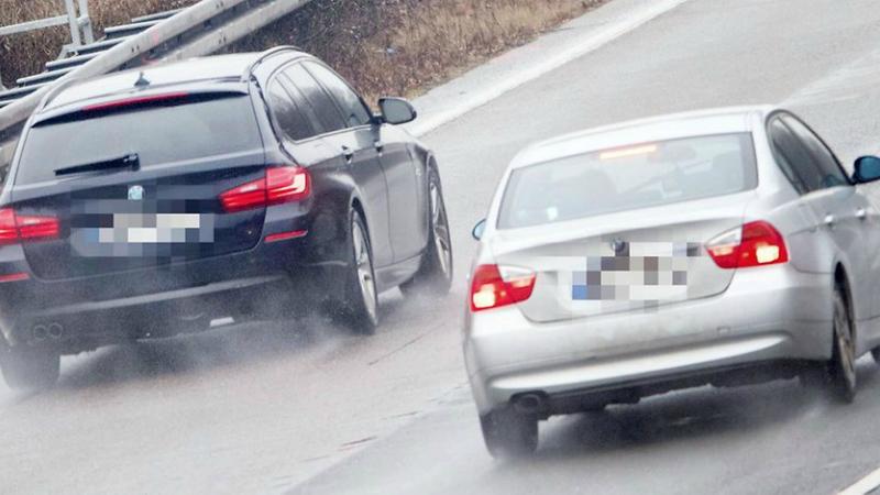 Общество: На дорогах Германии орудует группа цыган, выманивающих у водителей деньги