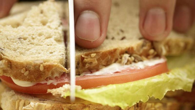 Общество: Осторожно! Британский бутерброд вреден так же, как и автомобиль