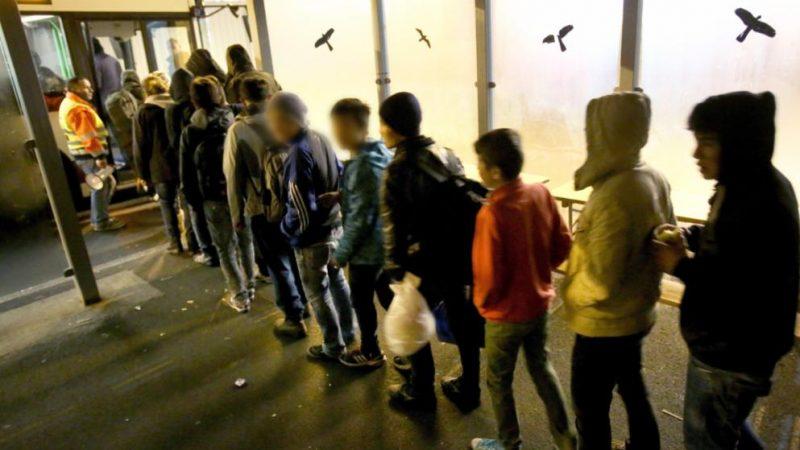 Деньги: Во сколько обходится Германии опека над несовершеннолетними беженцами?