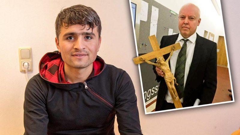 Общество: Суд над афганцем: «Висит там крест или нет, мне наплевать»