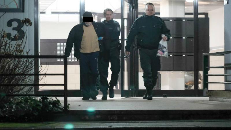 Общество: Полиция Германии проводит массовую облаву на нелегалов