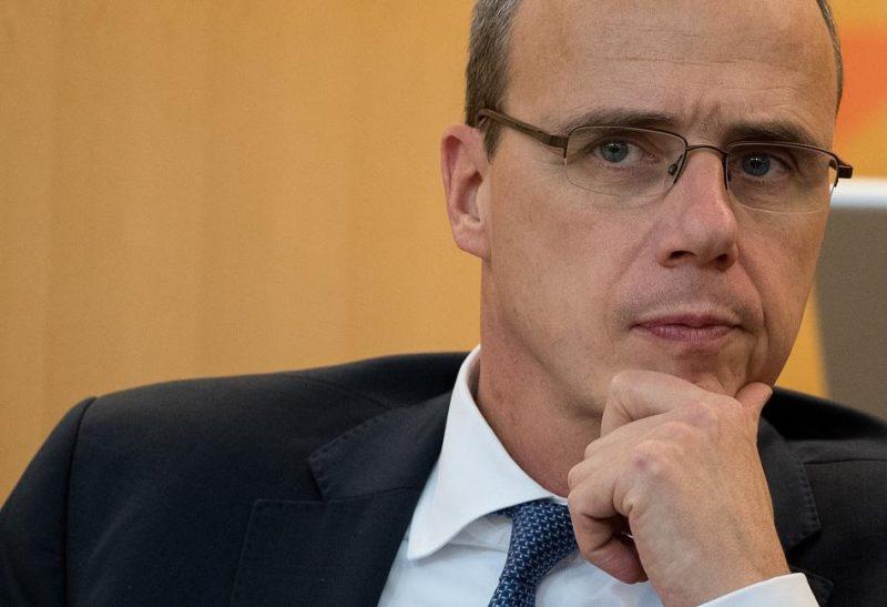Политика: Министр внутренних дел Гессена высмеял недоедающих беженцев