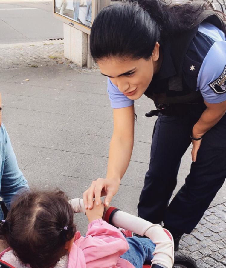 Общество: «В 15 лет я не знала немецкий, теперь я – комиссар полиции» рис 2