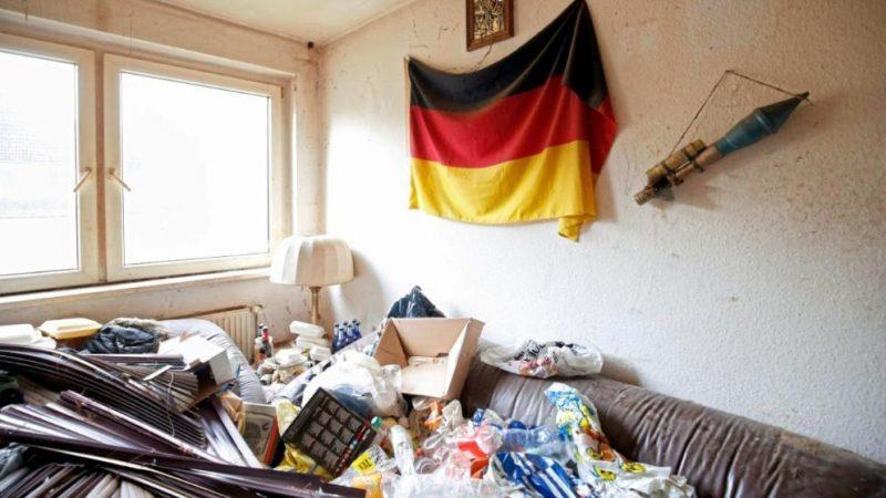 Происшествия: Сотрудники клининговой компании обнаружили в квартире базуку