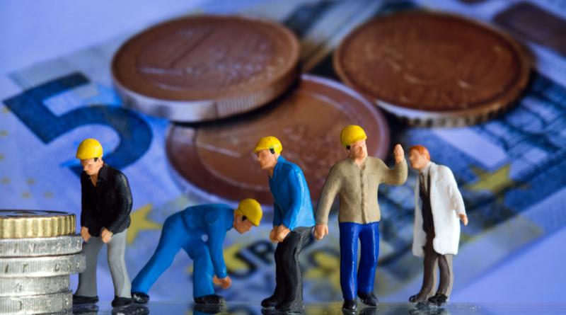 Деньги: Так работодатели обманывают сотрудников, не выплачивая им минимальную зарплату