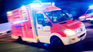 За ночь четыре раза напали на полицейских, двое ранено